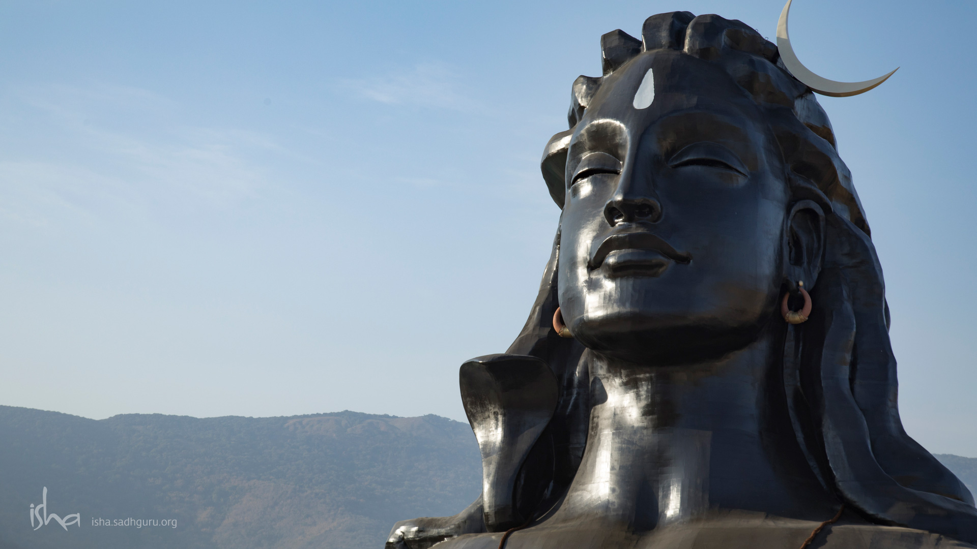Shiva Wallpapers - The Adiyogi with a clear sky HD